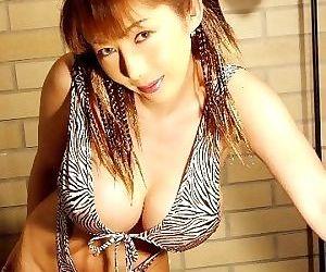 Voluptuous japanese sakura sena shows say no to broad around the beam tits around bikini - part 4094