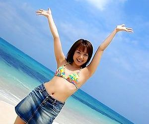 Asian run aground babe chikaho ito in bikini showin body - fidelity 2166