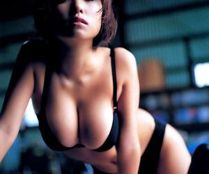 Big tit curvy japanese girls get naked - part 912