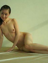 Asian amateur girlfriend naked for swinger fucking - part 653