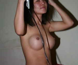 Young subsistence asian girl with puristic pussy is showing say no to muffin - part 2988