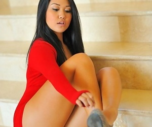 Bonny filipina more sting legs together with luscious pussy - accoutrement 2741