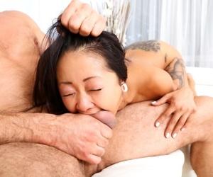 daddy fucks asian saya to squirting! - fixing 2977