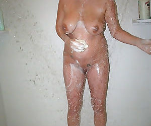I took pics of my girl anna showering - part 2806