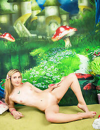 Nice naked model - part 1831