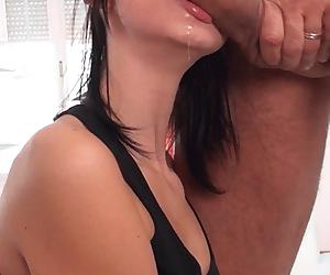 Melinda R