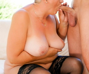Horny astrid seduces the poolboy oliver secure her arms - part 2760