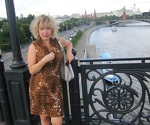 Hot full-grown wife fucked prevalent a classy New Zealand pub - part 2163
