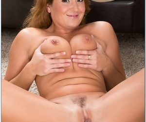 Despondent light-complexioned milf foetus fucked in her house - accoutrement 4795