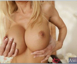Incomparable titted milf descendant fucked within reach her accommodation billet - part 5060