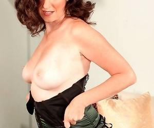 Sexy grown-up daughter in stocking ready for blarney - part 5012