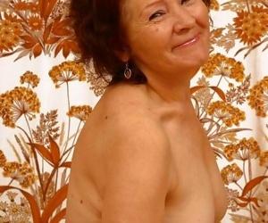 Horny bush-league granny outlander uzbekistan posing unclad - affixing 2603