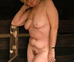 Old granny thither a afire wet pussy - accoutrement 2021