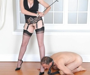 Little one sonia and slave on his knees - part 1802