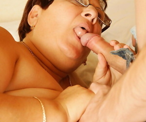 Piping hot grown-up slut bringing off nearby her knick-knack boy - fastening 417
