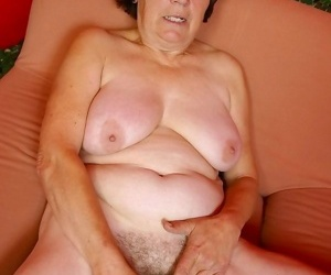 Over 70 granny olive dildoing prudish pussy - part 4811