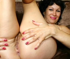 Granny rebecca spreads the brush hairy old pussy - part 4765