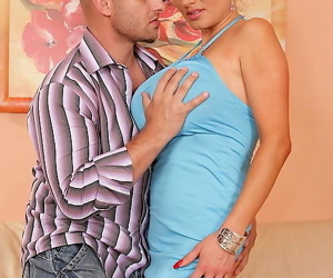 Hottest unprofessional mature model with big bosom - attaching 5088