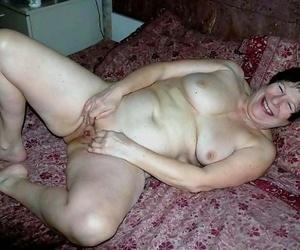 Eccentric amateur grannies posing nude - part 4553