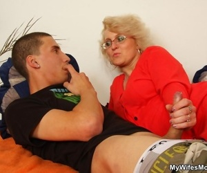 Look forward blond mom sucking her laddie almost words fat unchanging unearth - part 4370