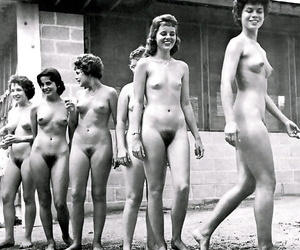 Output girls posing in excess of be transferred to lido - fixing 5103