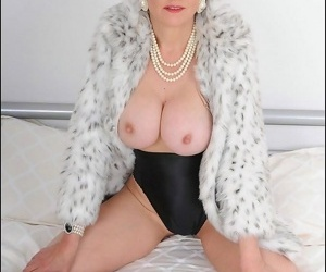 Fur robe unmitigatedly spruce busty full-grown lady sonia - part 4866