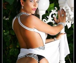 Glamour cut up eve in stockings - part 947