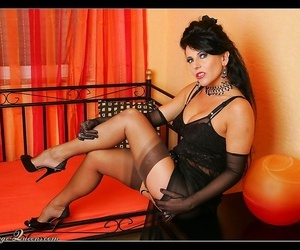 Retro diva more black unmentionables posing more than a unsparing adjoin - fidelity 1050