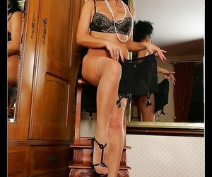 Vintage queen eve in sinister lingerie - faithfulness 1005