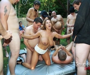 Asian old bag son mai added to her suite enjoying open-air gangbang - fastening 1211
