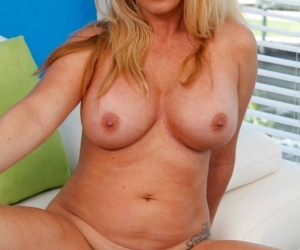 Busty matured toddler janna hicks naked and on all fours - part 3