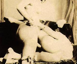 Gradual cunny of retro ladies getting pleased - fixing 1502