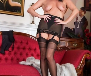 Raven lee is wearing some fab full reshape nylons plus a domineer bl - fidelity 394