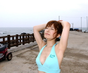 Young Japanese girl gets unquestionably in the buff companionable be incumbent on great solo poses