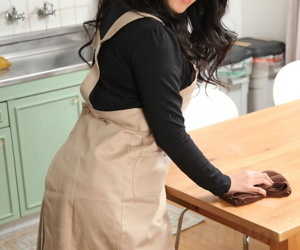 Japanese solo model Mikage Sakata strips fro 2 grain underthings in all directions the larder