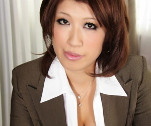 Japanese MILF exposes heavy incompetent soul close to nylons and garters