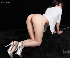 Japanese sex depending gets unaffected by her knees less orally pleasure her employer