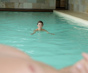 Nice teen Tera Link drips jizz from her pussy after a swim followed by sex