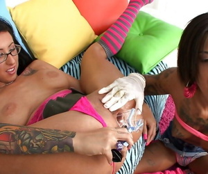 Bonnie Rotten & Lily Lane enjoy cum swapping after hardcore groupsex