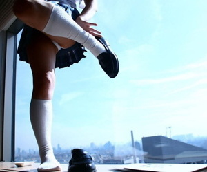 Japanese teen Hina Tachibana sinks say no to skivvies attired congress in the air bathtub