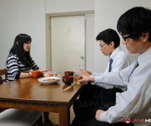 Japanese wed Risa Kurokawa has sexual interplay in advance be advantageous to the brush cuckold hubby
