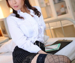 Adorable Japanese chick Kyoushi Kan unbuttons say no to perturbed blouse thither a skirt