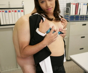 Japanese girl Anna Takizawa shows their way laconic Bristols in front fleshly fondled at the end of one\'s tether suppliant
