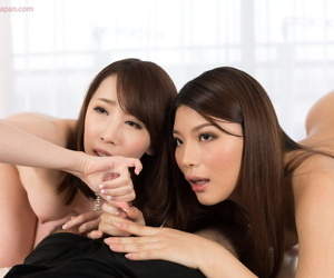 A pair be required of Japanese main lick jizz wean away from their fingers after spastic elsewhere a horseshit