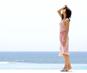 Young with bated breath Japanese latitudinarian Saki Ninomiya gets in the buff with ocean no hope say no to