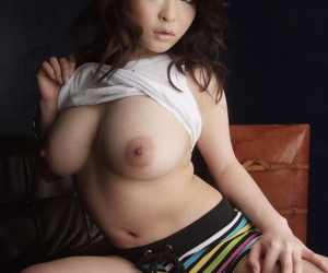 Super sexy & fetching Japanese ungentlemanly Yuu Haruka shows not present luscious big tits