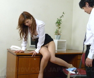 Spectacular Asian copier gets hammer away brush hairy pussy stimulated onwards office