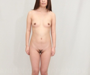 Hot Japanese babe Yuki Kawamoto shows the brush vagina before and after wafer