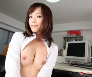 Hot Japanese copyist Arisa Suzuki shows small tits & trimmed muff at one\'s fingertips work