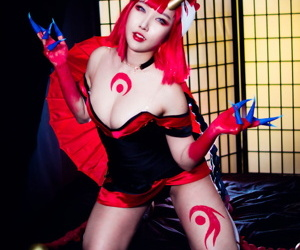 rinnieriot bloodmoon evelynn cosplay